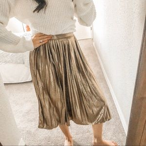 Topshop Skirts - TOPSHOP Gold Pleated Midi Skirt